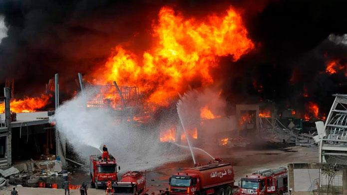 Prende las alertas incendio en Beirut