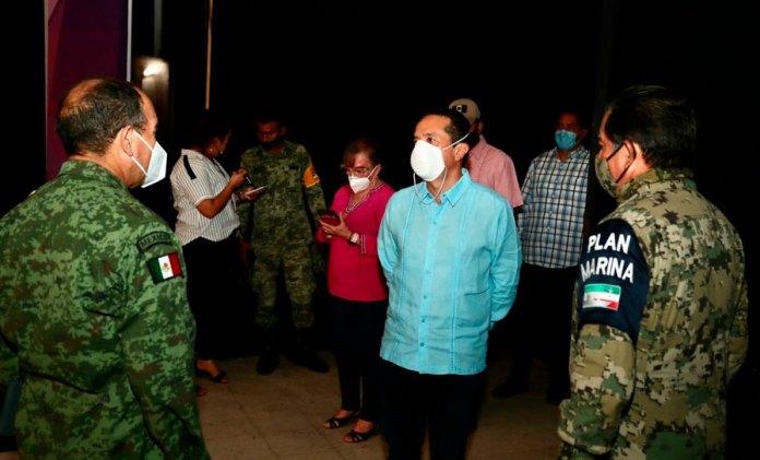 Evacuan zonas vulnerables de Quintana Roo