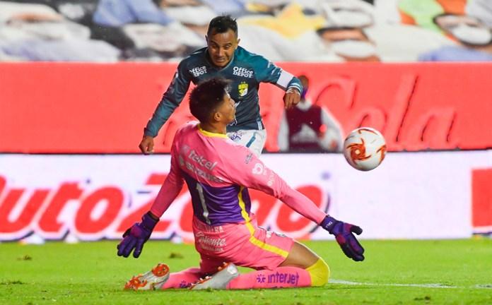 León y Pumas jugarán por la octava estrella