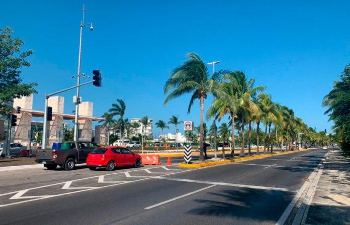 Corregirán nuevos semáforos de zona hotelera por caos vial