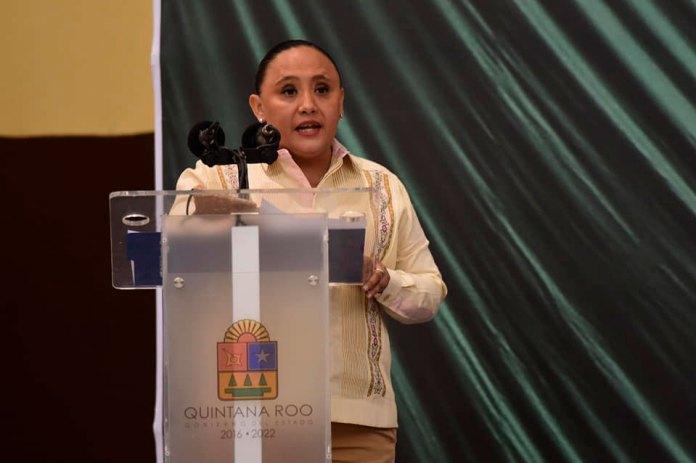 Cristina Torres Gómez cambia al PAN por Morena