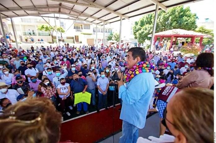 'Que se vayan al PRI', pide a sus detractores