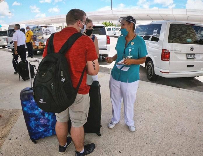 Crean agencia de viajes integrada sólo por mujeres
