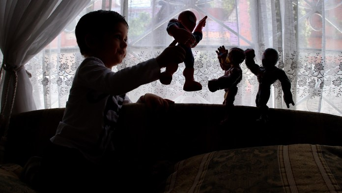 Reprochan abandono a niñez en pandemia