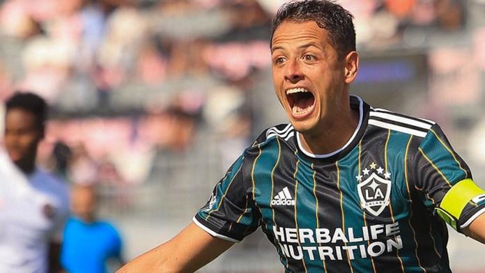 Opaca Chicharito con goles a Vela en la MLS