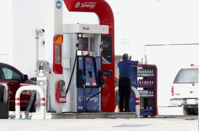 Frenan permisos para gasolinerías