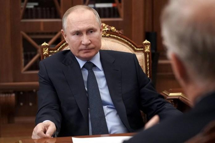 Putin firma ley que le permitiría estar en el poder hasta 2036