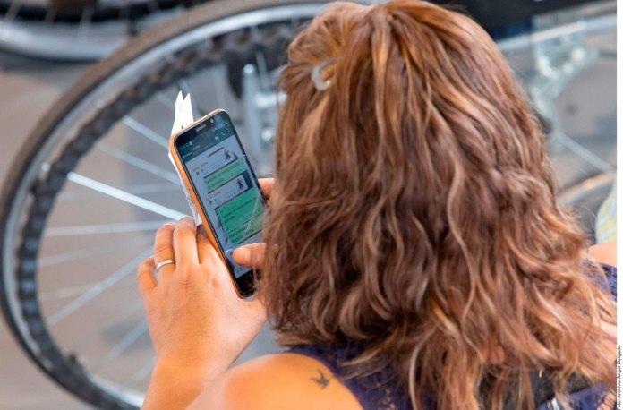 Convocan a usuarios de celulares al amparo contra Padrón