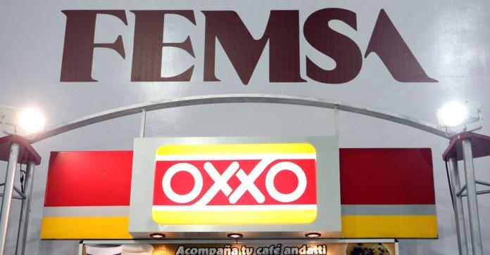 Abandona Oxxo registro en Antad