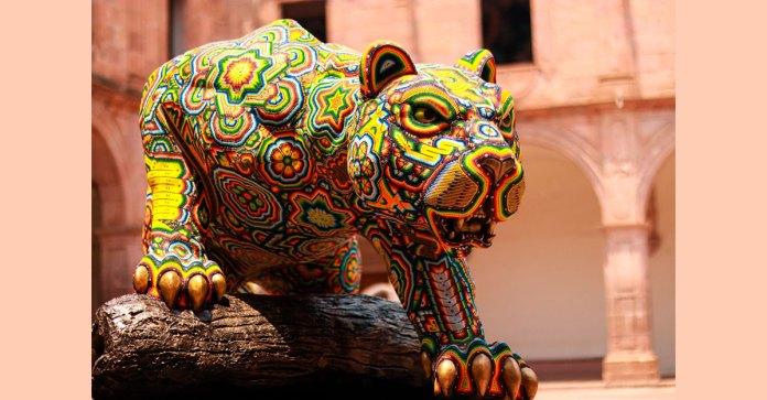 Centro Cultural Clavijero se engalana con arte wixárika Ricardo Haddad Musi
