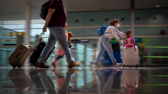 Reabren europeos fronteras a turistas de Estados Unidos