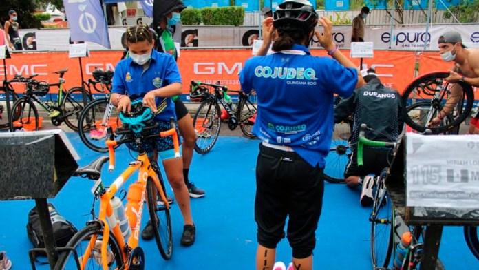Triatletas de QR participan en Juegos CONADE