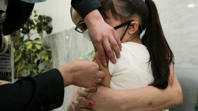 Alerta en Brasil y México 300 mil niños sin vacuna
