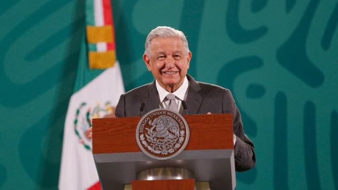 La estatua de López Obrador que quieren en Palacio