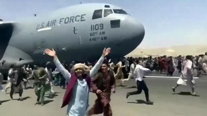 Vive Afganistán caos tras la victoria de talibanes