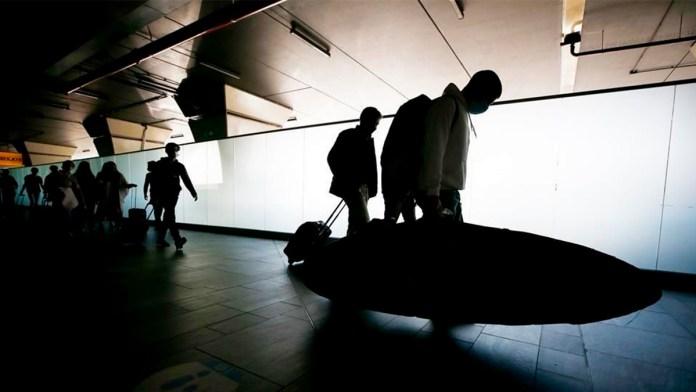 Gastan turistas mexicanos al extranjero 54% menos