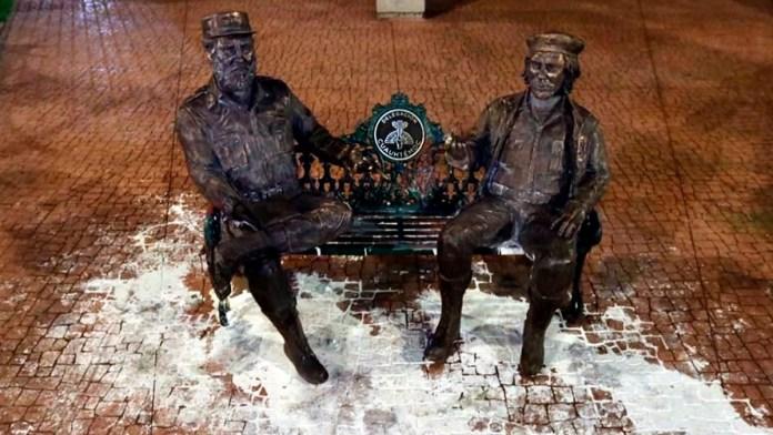 Vandalizan esculturas de Castro y el Che Guevara
