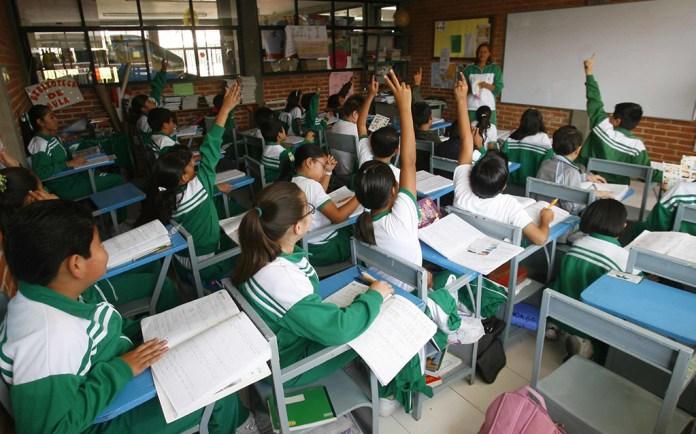 Colegios privados en todo México, alistan miles de amparos