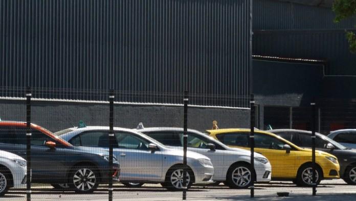 Escasez de chips aleja a compradores de autos
