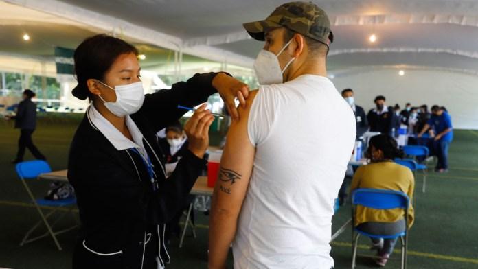Van 100 millones de vacunas; aplicación es desigual