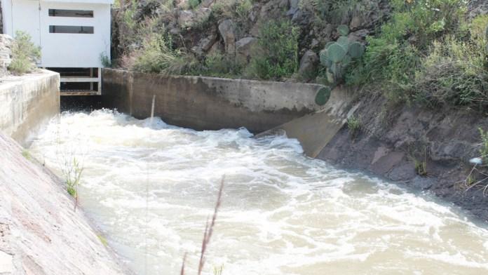 Alertan de inundaciones con 75 presas al tope