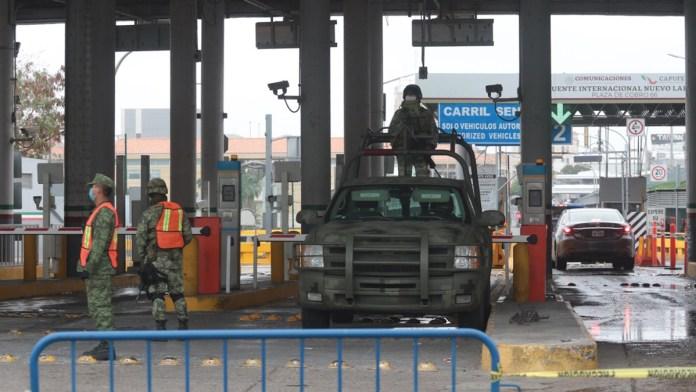 Extiende Estados Unidos un mes cierre fronterizo