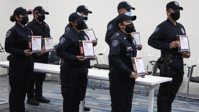 Reconocen a policías por detenciones