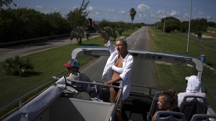 Inicia recuperación de turismo en Cuba