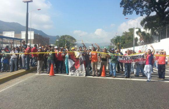 Trabajadores de la Corporación de Servicios del Gobierno de Distrito Capital denuncian condiciones laborales precarias