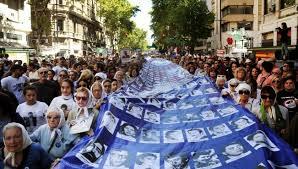 Argentina: a 42 años del golpe: Un fantasma recorre el mundo – El fantasma de la crisis capitalista