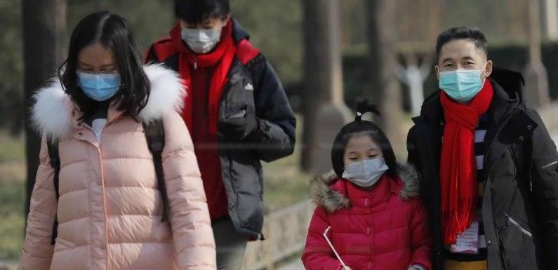 Las masas chinas atrapadas entre la enfermedad y la dictadura
