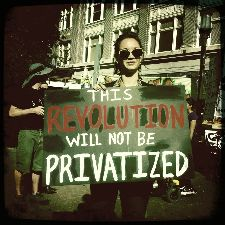 USA_thumb_2011-11-02_revolution_not_privatized