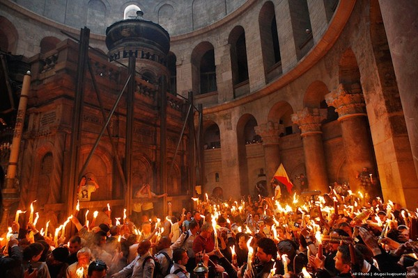 Russian language practice from the contemporary Russian media / holy fire in Jerusalem