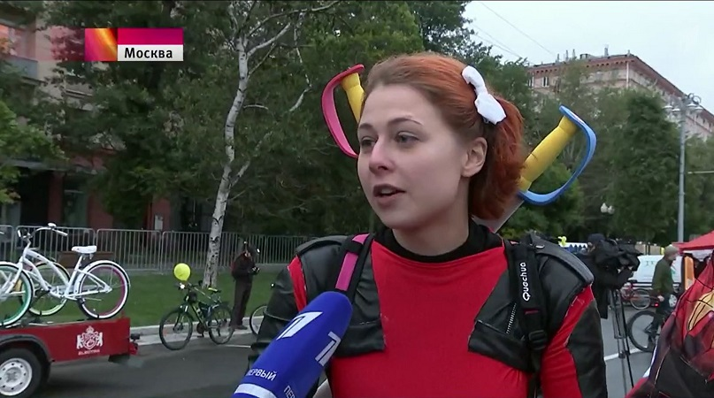 Bicyclist in Moscow