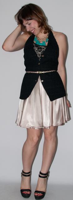 Look do dia: como usar saia rodada com blusa e colete de renda de dia e de noite. Blog de moda