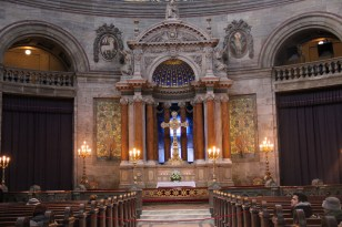 Altar da Igreja de Mármore