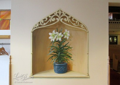 Immanuel Lutheran Church, Lily in niche