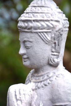 phnom krom cambodia white buddha