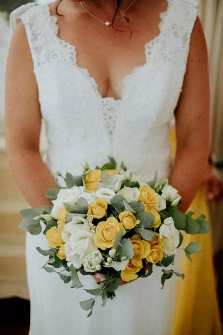 détail bouquet de mariée blanc jaune et verdure cherbourg normandie