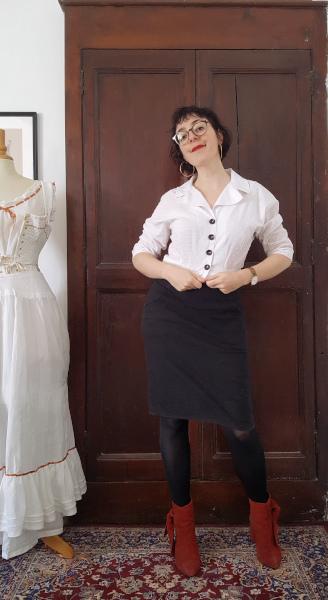 contente de mon chemisier années 1950 en coton plumetis