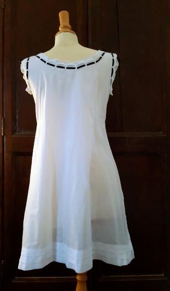 dos de la chemise 1880 brodée