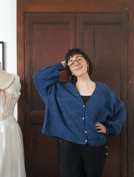 gilet coquille d'Emma Ducher en laine indigo après blocage