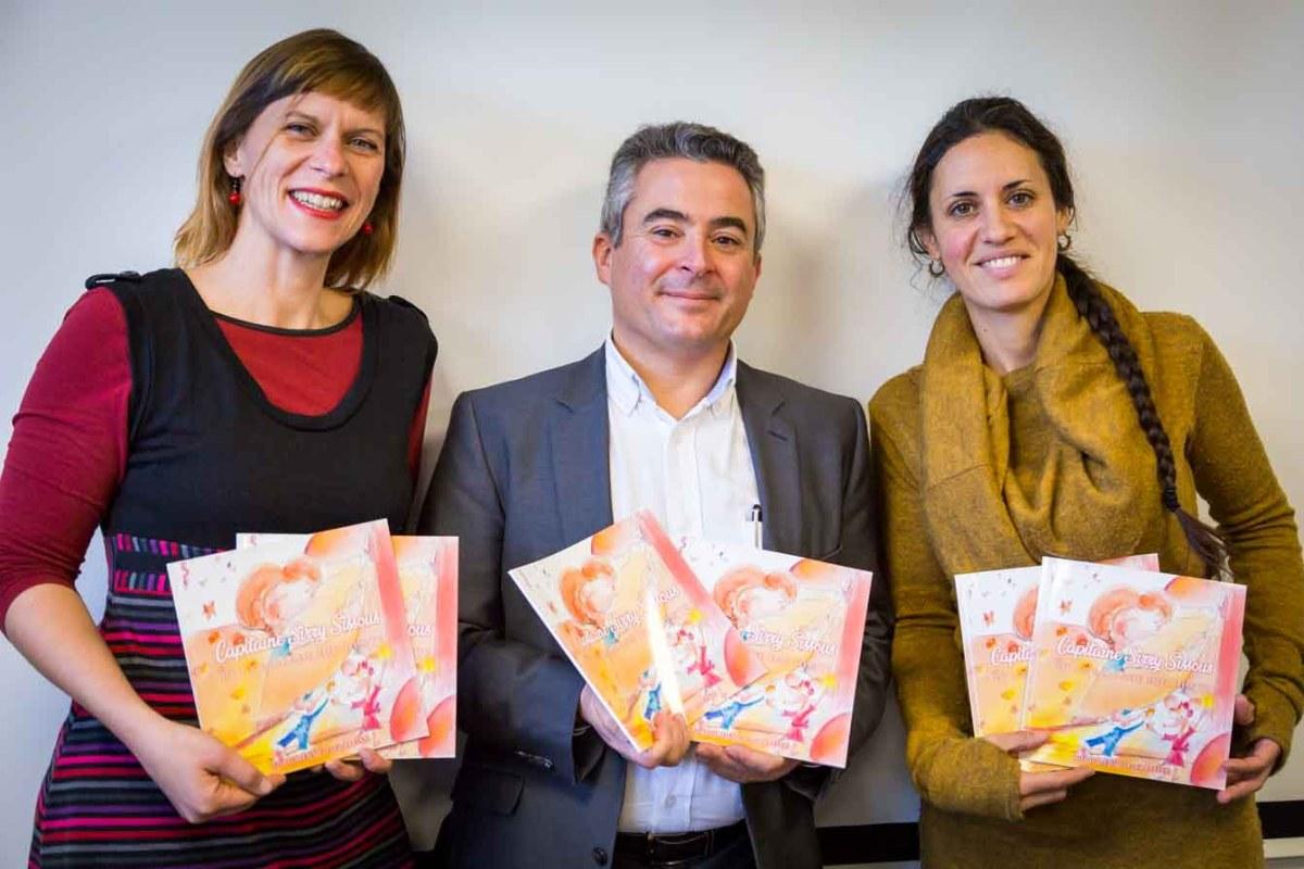 Lucie LLONG, illustratrice , Jean Luc BEAUGHON, editeur et Julie BAUDIN, auteure avec leur livre Capitaine Sirry Sissous et la brigade des dents