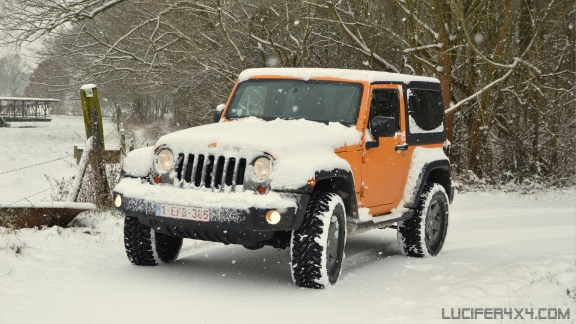 Jeep JK in the snow