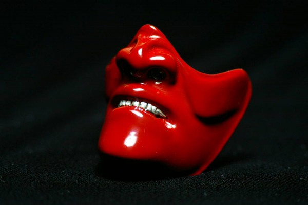 samurai mask UN red