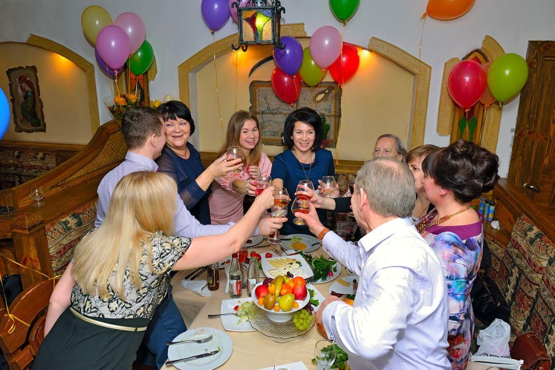 Поздравление за столом на свадьбу для гостей