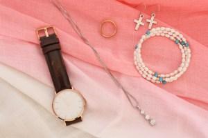 社会人の彼女・女性に誕生日プレゼント!喜ぶ腕時計ブランドはこれ