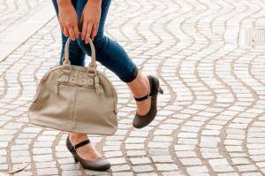 女性に人気のプールバッグをプレゼント!おしゃれで可愛いのが嬉しい