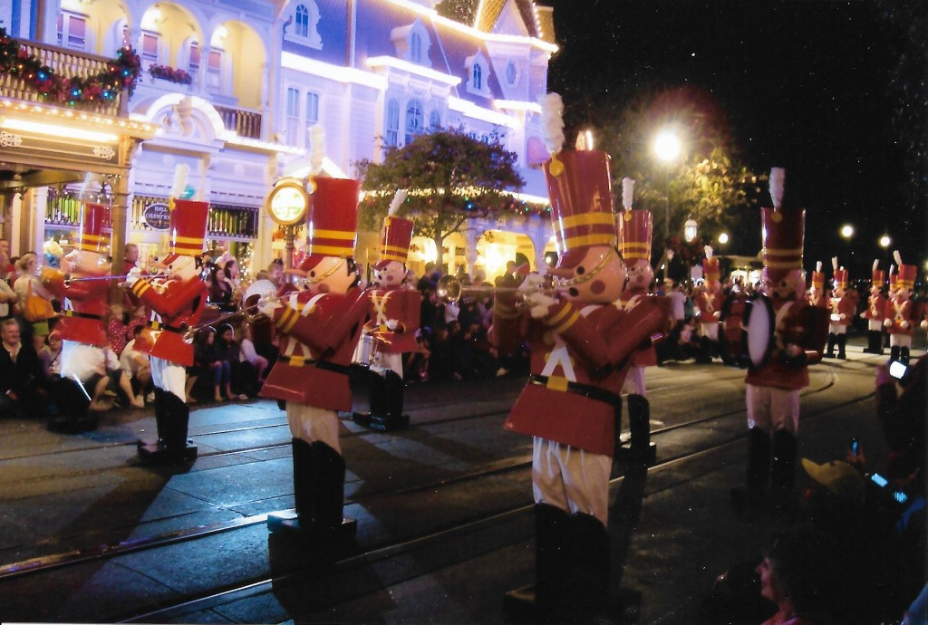 MVMCP Christmas parade at Magic Kingdom Walt Disney World