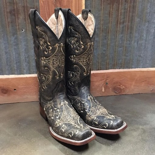 Women's Corral Embroidered Distressed Brown Boot L5078